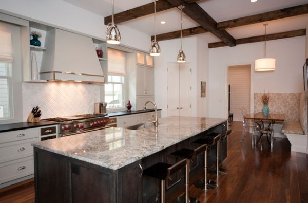 lighting over kitchen island | Stylish metal pendant lights above kitchen island with marble ...