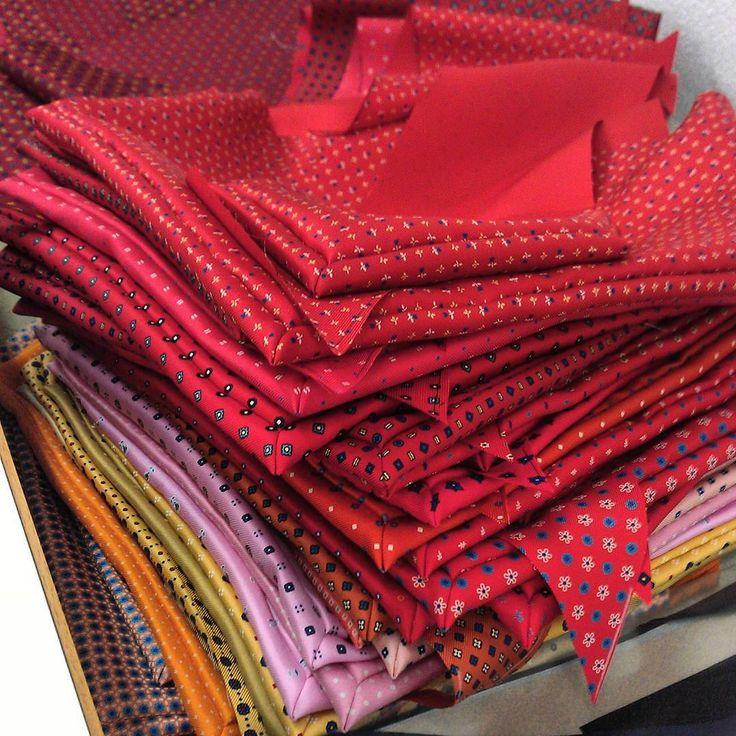 Enjoy the colors  #colors #dmties #textile #silk #cotton #tie #necktie #bowtie #pocketsquare #ascot #foulard #scarves #menswear  #womenswear #italianstyle #italianfashion #photooftheday #pictureoftheday #instalook #instafashion #