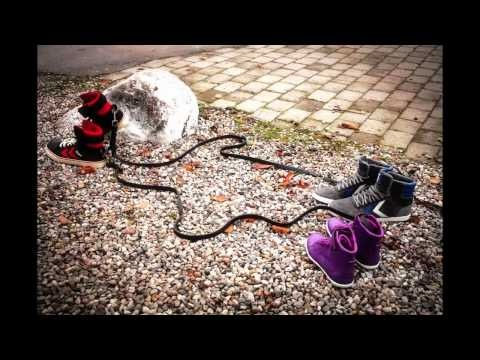The hummel Fashion Footwear AW11 collection has gone on a walkabout. Stop motion commercial.