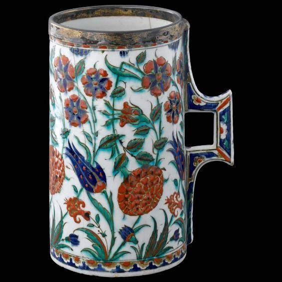 Iznik Tankard with floral decoration. Turkey, c. 1575-80