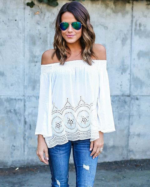 AMAZING off shoulder top. I need this in every color!! Ulysses Top - vicicollection.com. A bright vibrant color would make this perfect for summer...or a pastel color would look great with a tan