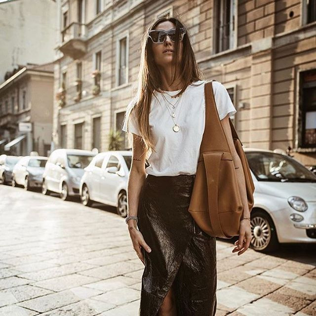 Beautiful Ilenia Toma with our Ace bag in Milan. Repost from @ilivanilli_  #noanbags