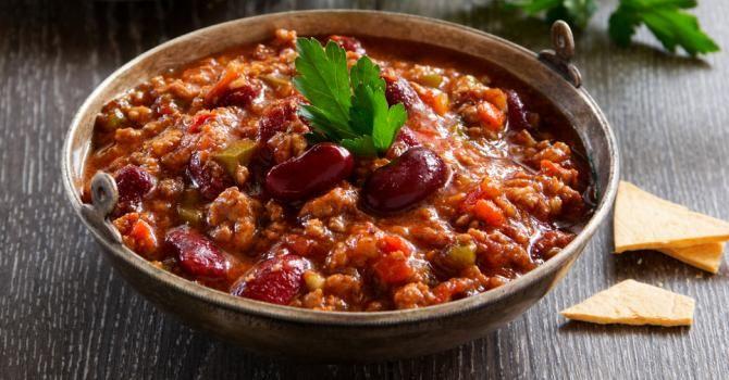 Recette de Chili con carne allégé au Coca-Cola® Light. Facile et rapide à réaliser, goûteuse et diététique. Ingrédients, préparation et recettes associées.