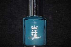 Mystik pulzující modrá zelená. Lak na nehty z Anglie.