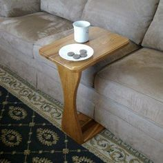 How To Make A Sofa Tray Table Tutorial and Plans . Construct a Sturdy TV Tray Table  #chairtable #DIYfurniture  #freewoodworkingplans  #sidetable #DIYtraytable #woodworking http://www.woodworkingcorner.com/traytable.php #freeplansforwoodworking #livingroomDIY  #DIYcraftsandart:
