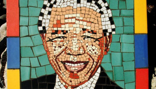 We've put together 31 ways to spend 67 minutes to pay tribute to Mandela by doing good for someone: http://www.capetownmagazine.com/mandela-day