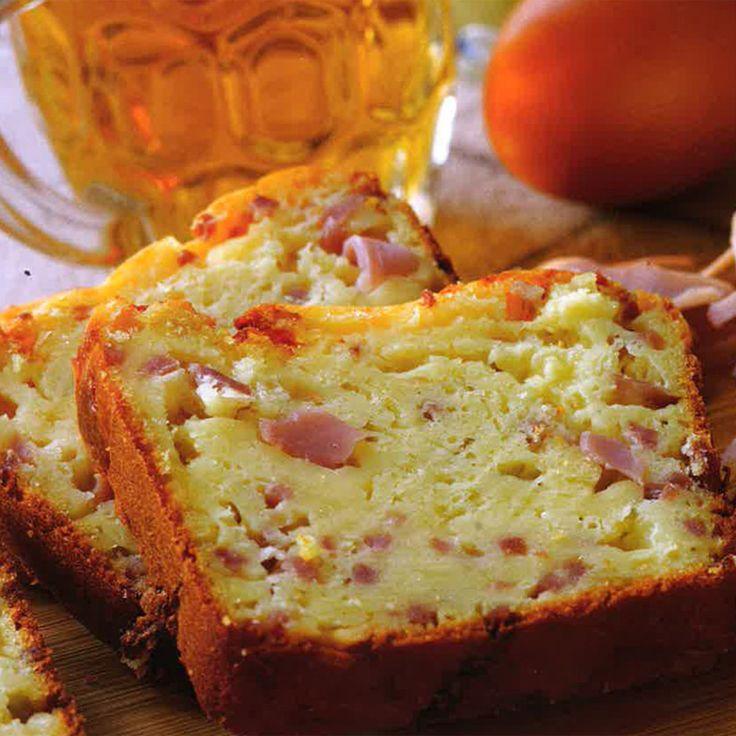 Cake au cheddar, au jambon, à la bière, et à la moutarde
