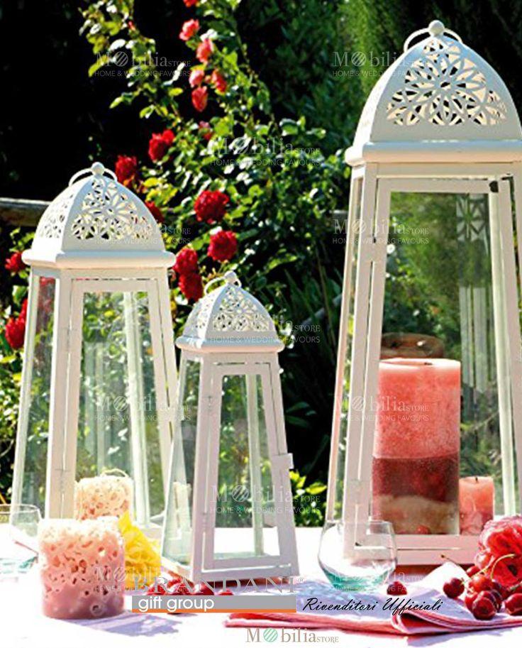Lanterne Bianche Brandani in tre forme, in vetro e metallo con eleganti e delicati fiori stilizzati.