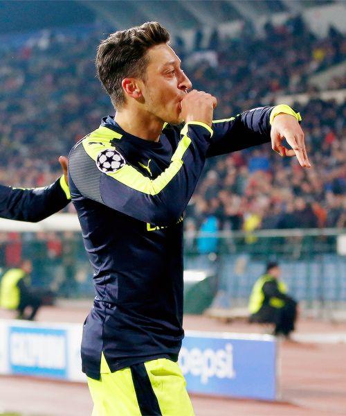TT:Mesut Özil scoring in the last minutes in UCL vs Ludogorets