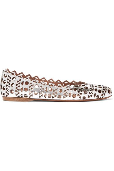 ALAÏA Laser-cut metallic leather ballet flats. #alaïa #shoes #平底鞋