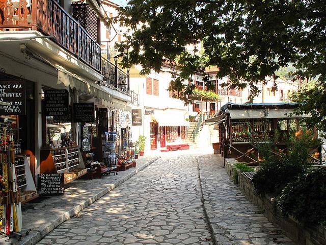 Αlley leading to Makrinitsa's square