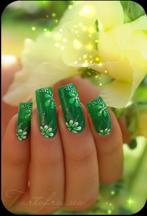 St Patrick day Nail art-like the flowers. I love it but with shorter nails!