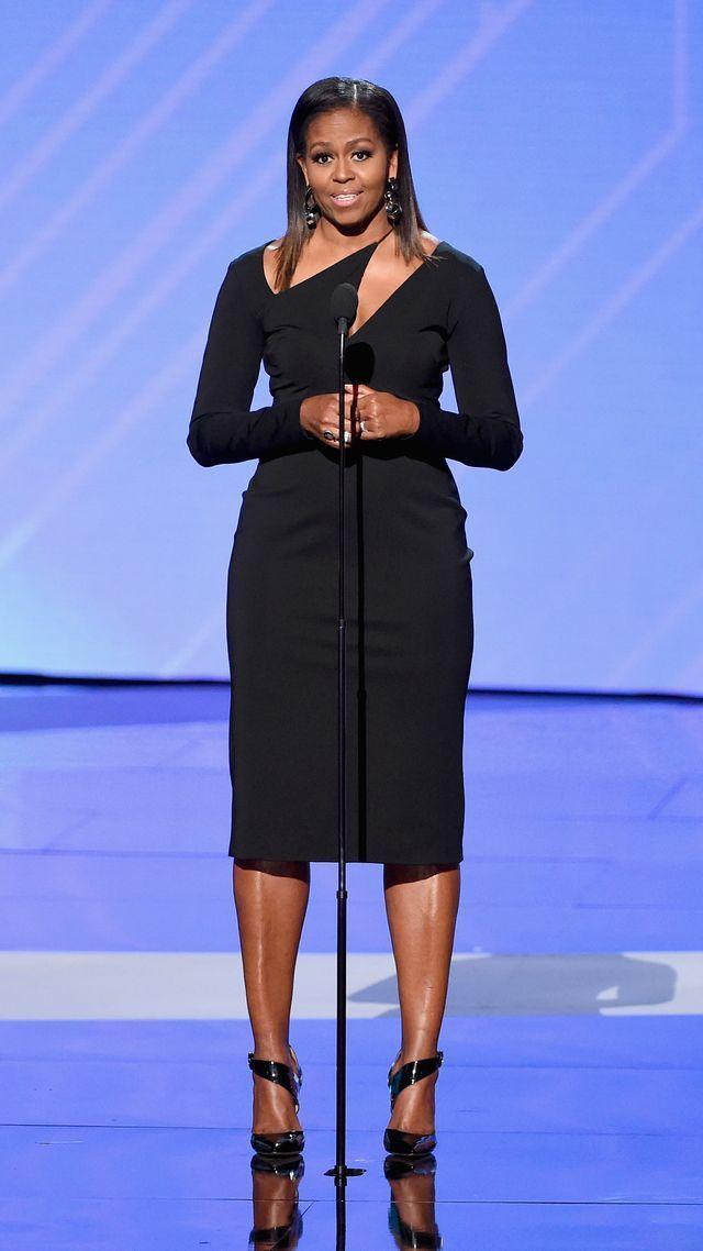 Michelle Obama stuns in sleek Cushnie et Ochsdress at ESPYs