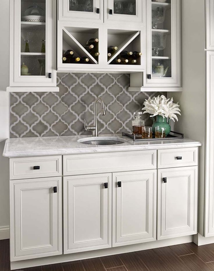 Best 25 Arabesque Tile Backsplash Ideas Only On Pinterest Lantern