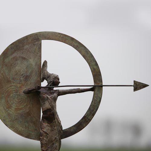 kunst -brons beeld - Rieke van der Stoep - Higher purpose