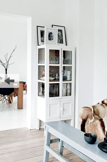 Cupboard: Living Rooms, Decor Ideas, Nordisk Mik, Dining Rooms Tables, White Interiors, White Cabinets, Design Blog, White Furniture, White Wall