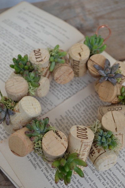 maybe i would use some vintage tiny christmas bulbs instead of the greens.