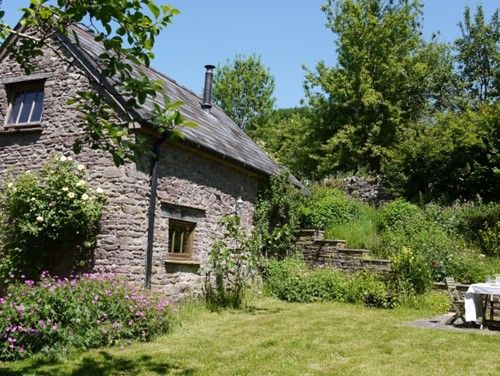 Lots of cottages in Wales on Sugar & Loaf