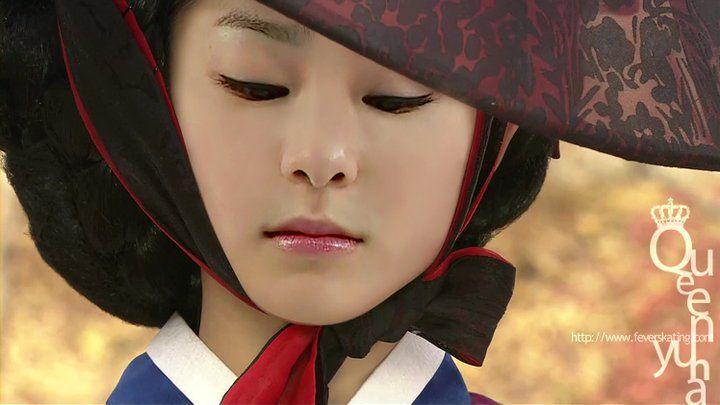 @Yunaaaa Kim is beautiful in hanbok