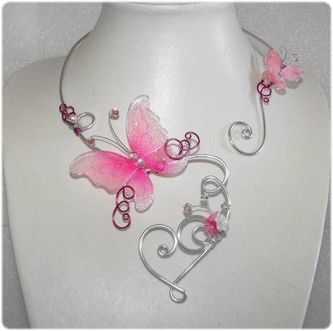 Collier Papillon Rose/fuchsia Coeur arabesque & strass + BO Mariage fête soirée : Collier par soleildelune-bijoux-mariage-ceremonie