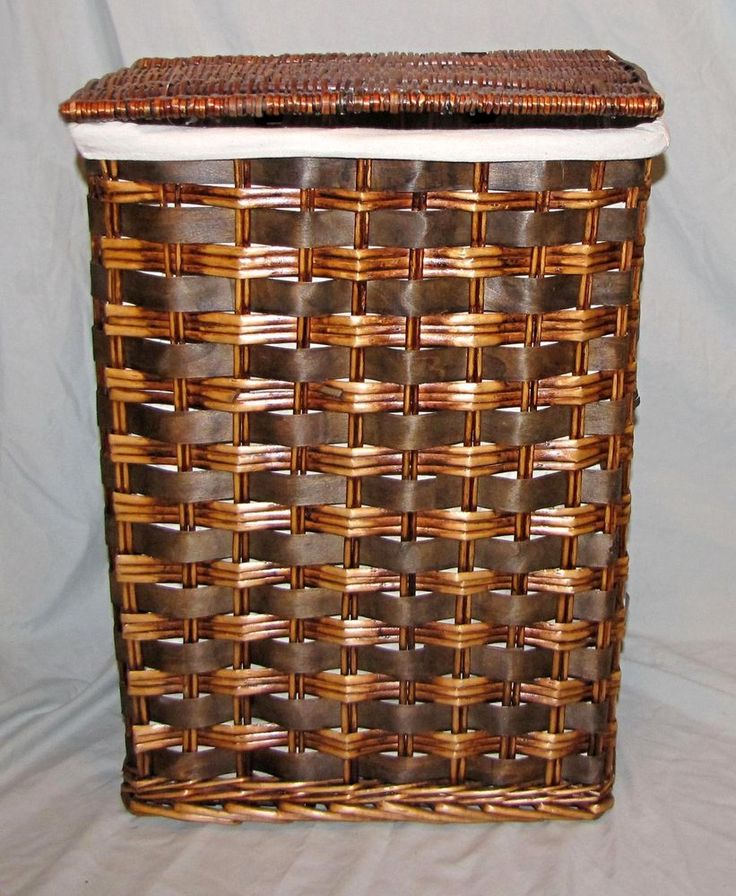 Vintage Wicker Laundry Clothes Hamper Lined 22.5 x 18 x 13