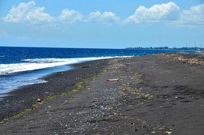 Непал - Индия - о. Бали за 2,5 месяца: Пляж с черным песком, недостроенный отель и Голубая лагуна на Бали