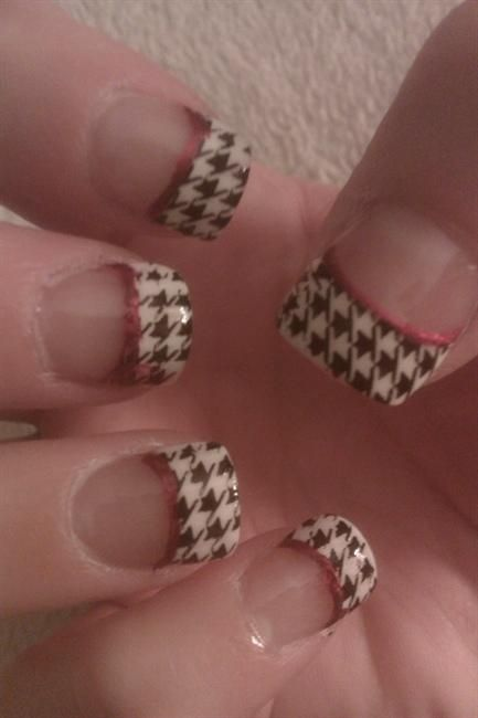 Alabama houndstooth. Roll Tide! =) | Nail Art Gallery