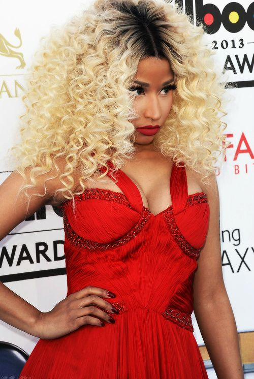 Nicki Minaj :love her hair