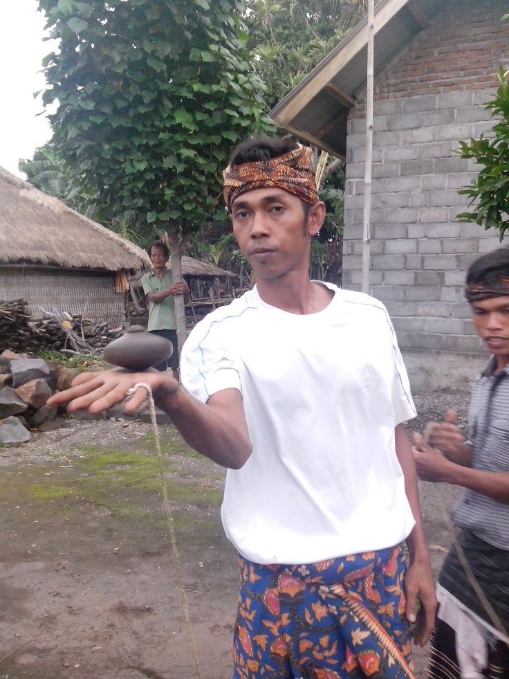 Playing Gansing at Sigenter Village