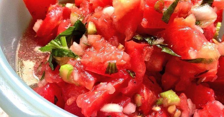 トマト消費!簡単すぎるブルスケッタ☆ by 牛乳屋さんのキリン [クックパッド] 簡単おいしいみんなのレシピが272万品