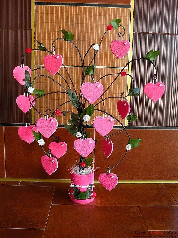 Оригинальное семейное дерево послужит очень хорошим украшением домашнего интерьера.