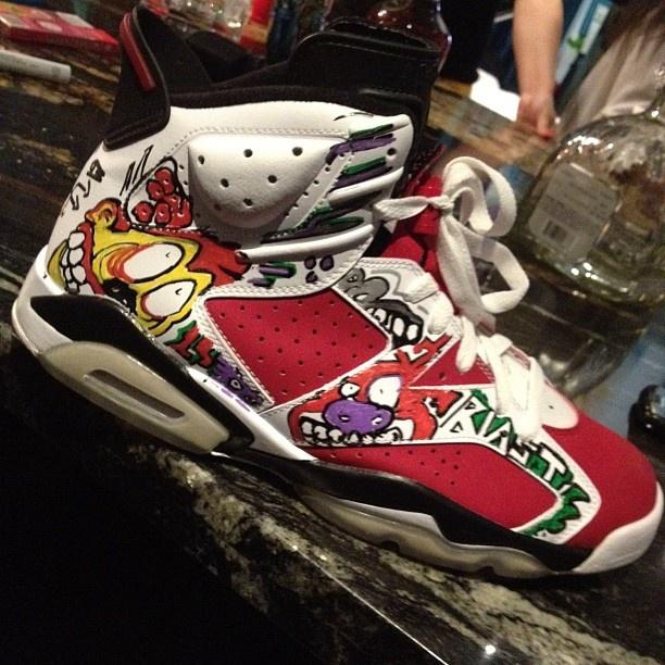 Sneakers designed by Chris Brown.: Women Nike Shoes, Air Jordans, Custom Sneakers, Carmin Custom, Chris Bown, Men Shoes, Chris Brown, Kewl Shoes, Jordans We