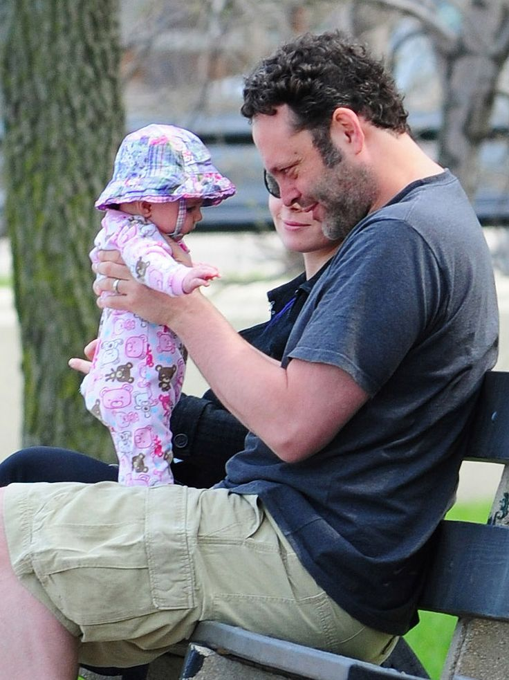 Vince Vaughn and his wife, Kyla Weber, spent the afternoon with their daughter, Locklyn, at a Chicago park in May 2011.   #celebrities #celebrity dads