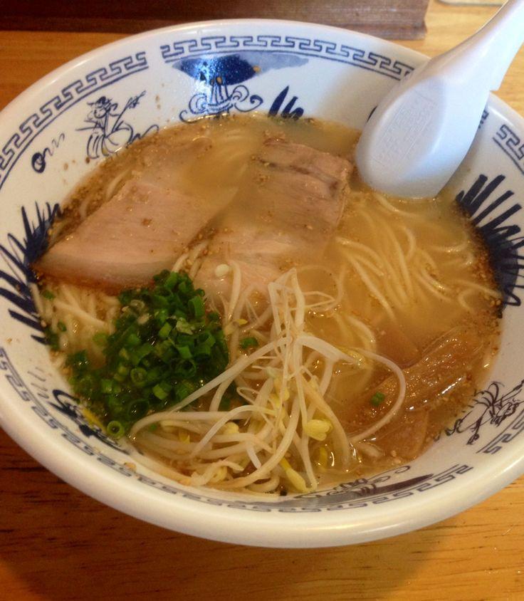 宮崎、大宮ラーメン。 宮崎ラーメンらしいさっぱりスープ!