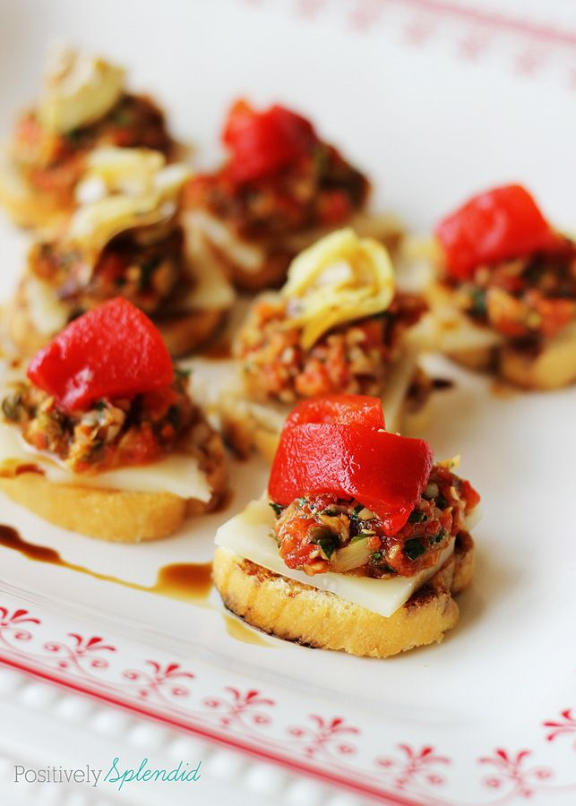 These Swiss cheese and red pepper tapenade bruschetta bites are a perfect snack, or a fun appetizer! #lifeingredients: Swiss Cheese, Fun Appetizers, Appetizers Entertainment, Peppers Artichokes Tapenad, Red Peppers Artichokes, Homes Decoration, Red Pepperartichok, Favorite Recipes, Bruschetta Bites
