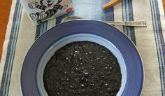 Blåbärsgröt kokats på färska blåbär (eller djupfrysta). Kan kokas på flera olika mjölsorter. Passar till frukost, lunch och sommarmiddag, typisk sommarmat. 1 portion är ganska lite så jag beräkna 2 port/person.
