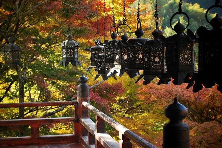 談山神社:拝殿の吊灯籠