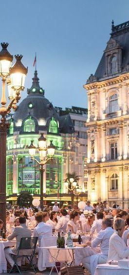 Diner en blanc, Paris