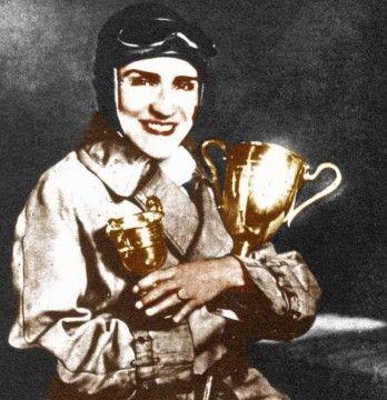 İlk Ehliyetli ve İlk  Otomobil Kadın Yarışçısı  Samiye Burhan