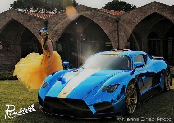 Gioco di foglie oro e blu oltremare metallizzato per illuminare una creatura proveniente da altre galassie... Si ringrazia @mazzantiautomobili  e @artemodaitalia  Abito: @oxanafashion  Modella: @freedom_ari  Make up: @alena.fedchenko  Hair Stilist: @cuneo96  #auto #automotive #mazzanti #car #supercar #Pisa #Toscana #tuscanyleople #igerpisa #volgopisa #photoshooting #instalike #instalife #instamoment #l4l #lile4like #likeforlike #moda #fashion #modisteria #cappello #cappelli #madeinitaly