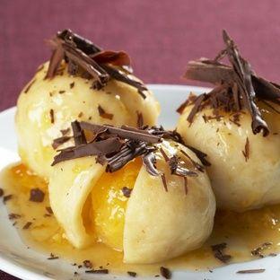 Bleskové ovocné knedlíky. Fruit dumplings.