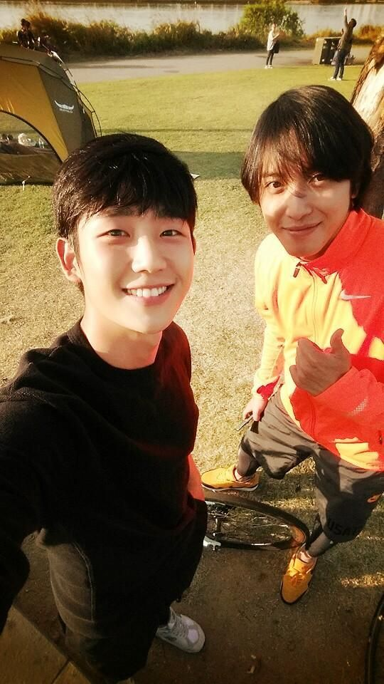 CNBLUE Yonghwa hangs out with Actor Jung Hae In ...