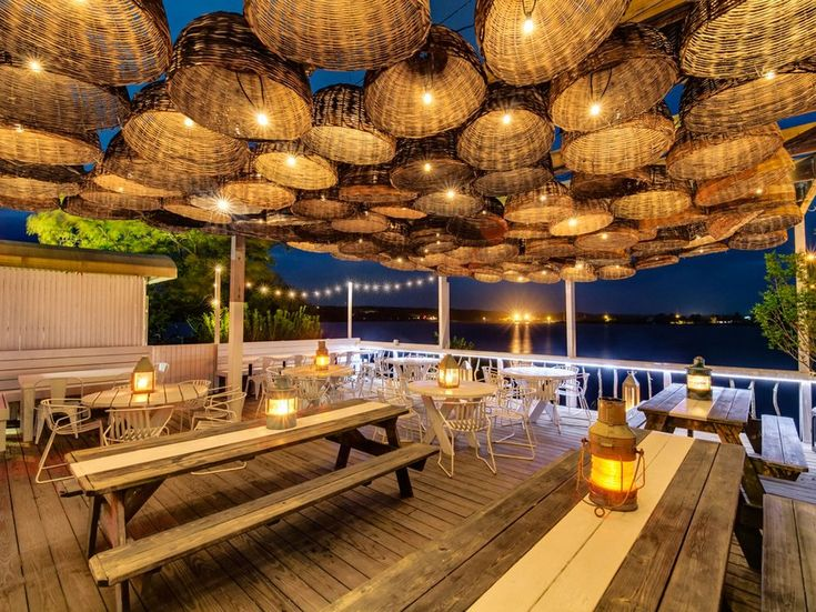 This Long Island hot spot is home to beach-chic decor, concerts by the likes of Patti Smith and the Flaming Lips, and beautiful water views. Chef Chris Rendell brings influences from his native Australia to the hotel's relaxed oceanside restaurant, creating dishes that highlight fresh seafood and other locally sourced ingredients.