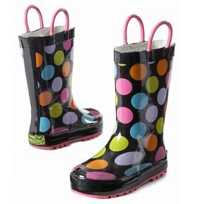 Super cute rain boots for kids - or for a tooth fairy like me. I like to splash in rain puddles too.