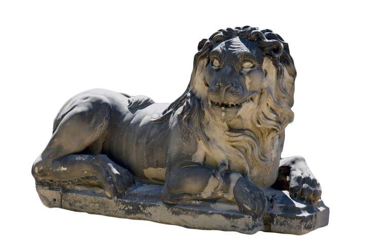 Lion en pierre, attribué à Pierre Puget (1620-1664)