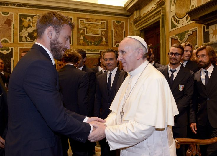 Daniele De Rossi Photos: Pope Francis I Meets Italy and Argentina Football Teams 13 aout 2013