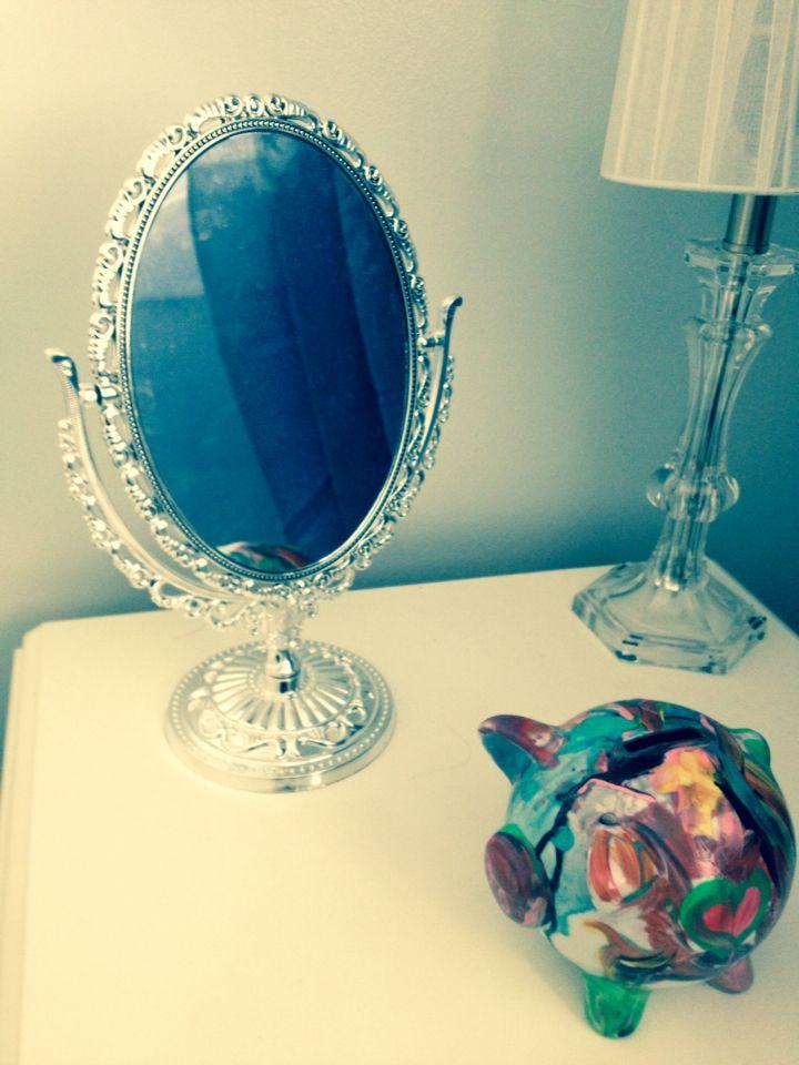Miroir magique chambre petite princesse id es pour la for Miroir a coller ikea