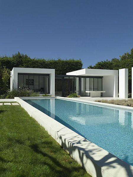piscine enterr e couloir de nage d bordement sur mesure chalv ches faug res. Black Bedroom Furniture Sets. Home Design Ideas