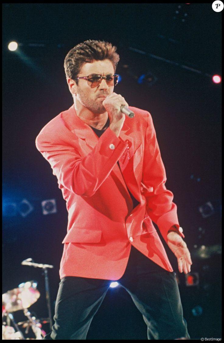 George Michael à Londres en 1991 lors d'un concert hommage à Freddie Mercury et en faveur de la lutte contre le sida. Le chanteur anglais est mort à 53 ans le 25 décembre 2016.