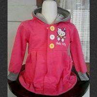 Jaket HK Pink Rok (Resleting di dalam) Gambar: Bordir Bahan: Fleece Size : 3,6,8,10 Harga: 98.000 Lebar dada/panjang: Size 3: 33/47cm size 6: 38/51 Size 8: 40/54 size 10:42/57  biasanya: sz 3 untuk 3th Size 6 untuk 5-6th size 8 untuk 7-8th size 10 untuk 8-9th sms/wa: 085288041323 LINE: jaket_anak www.tokopedia.com/safkids